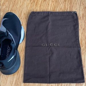 1 BROWN DRAW STRING GUCCI DUST BAG